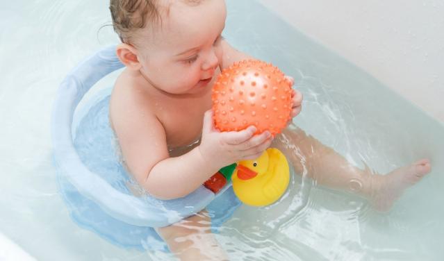 Билкови вани за деца, които могат да преборят много заболявания