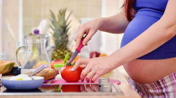 Храненето на майката по време на бременността и какво може да причини дефицитът на някои вещества