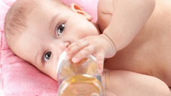 Билкови успокояващи чайове за бебета